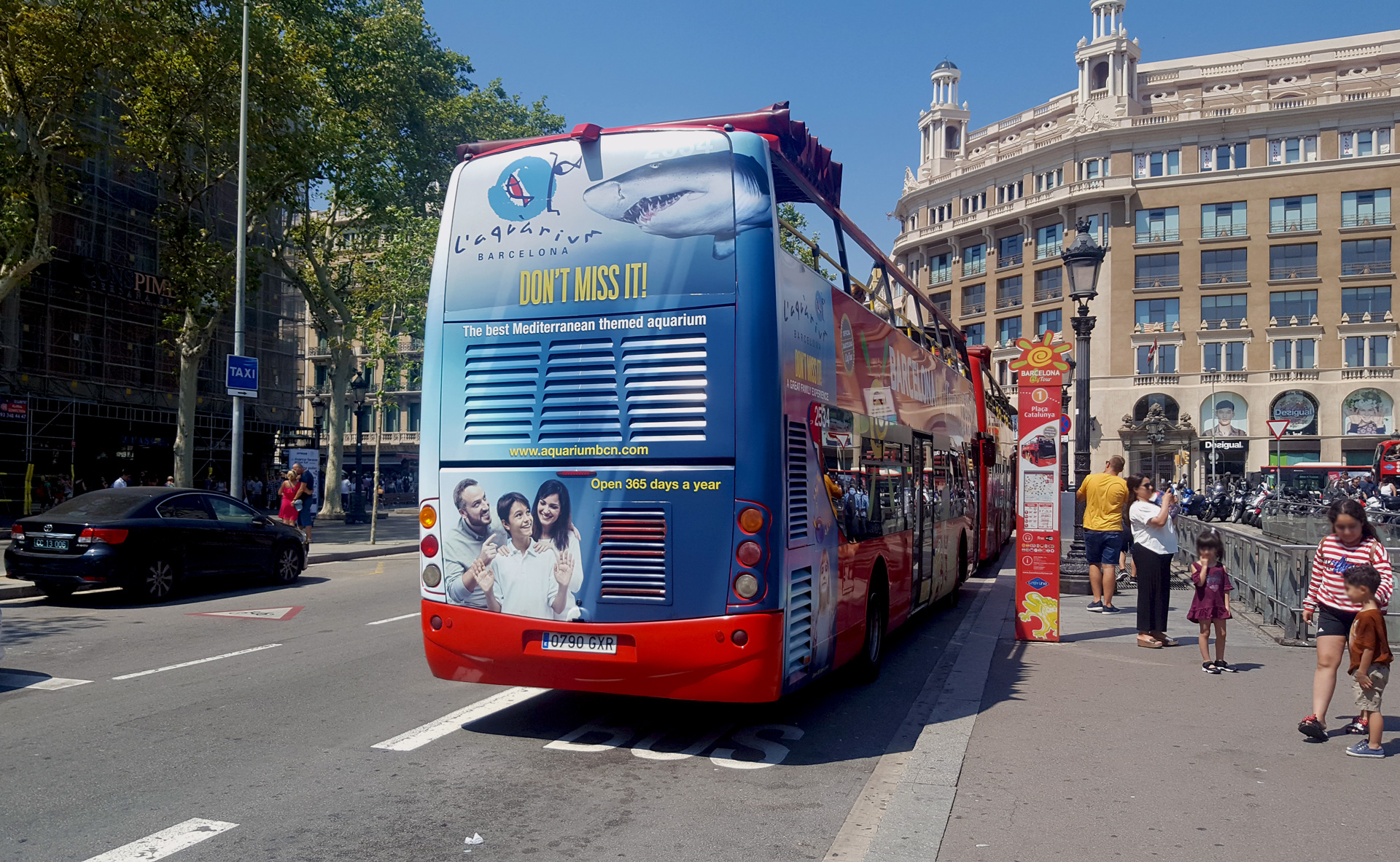 Barcelona sightseeing bus advertising