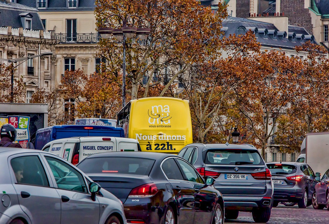 Paris sightseeing bus advertising
